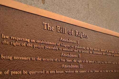 A metal placard that shows The Bill of RIghts